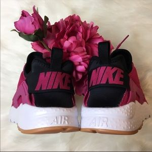 Nike Air Huarache Run Ultra Sport Fuchsia/Black